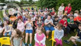 Tennis Ireland coach helps Laois school raise Active School Flag