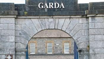 Angry man arrested leaving Portlaoise Garda Station