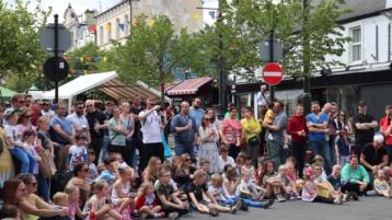PICTURES: Sun shines on buzzing Old Fort Quarter Festival in Portlaoise
