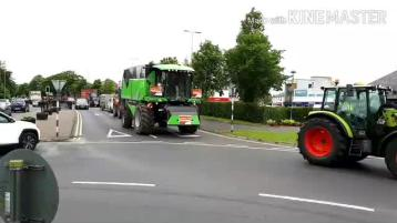 WATCH:  Laois farmers in long tractor protest through Portlaoise