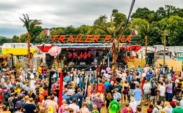 electric picnic trailer park