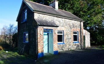 PROPERTY WATCH: This charming two-bedroom stone cottage is a bargain at just €65,000