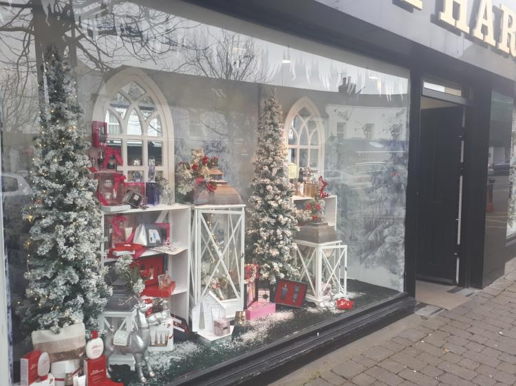 Pictures Traditional Christmas Window Displays Revealed
