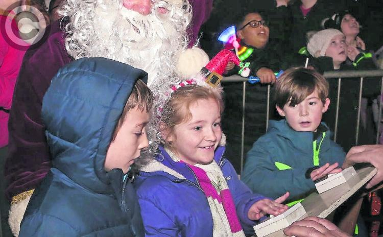 PICTURES: Dazzling night at Portarlington Christmas lights switch on