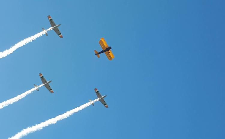 WATCH - Blue sky over Portlaoise the backdrop for fly-past in honour of Laois aviator