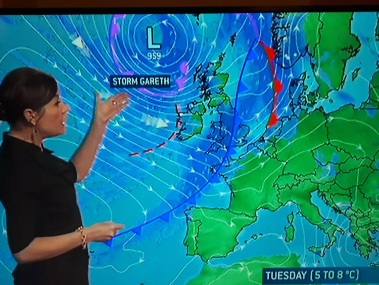 Siobhain Ryan presents Storm Gareth forecast on RT
